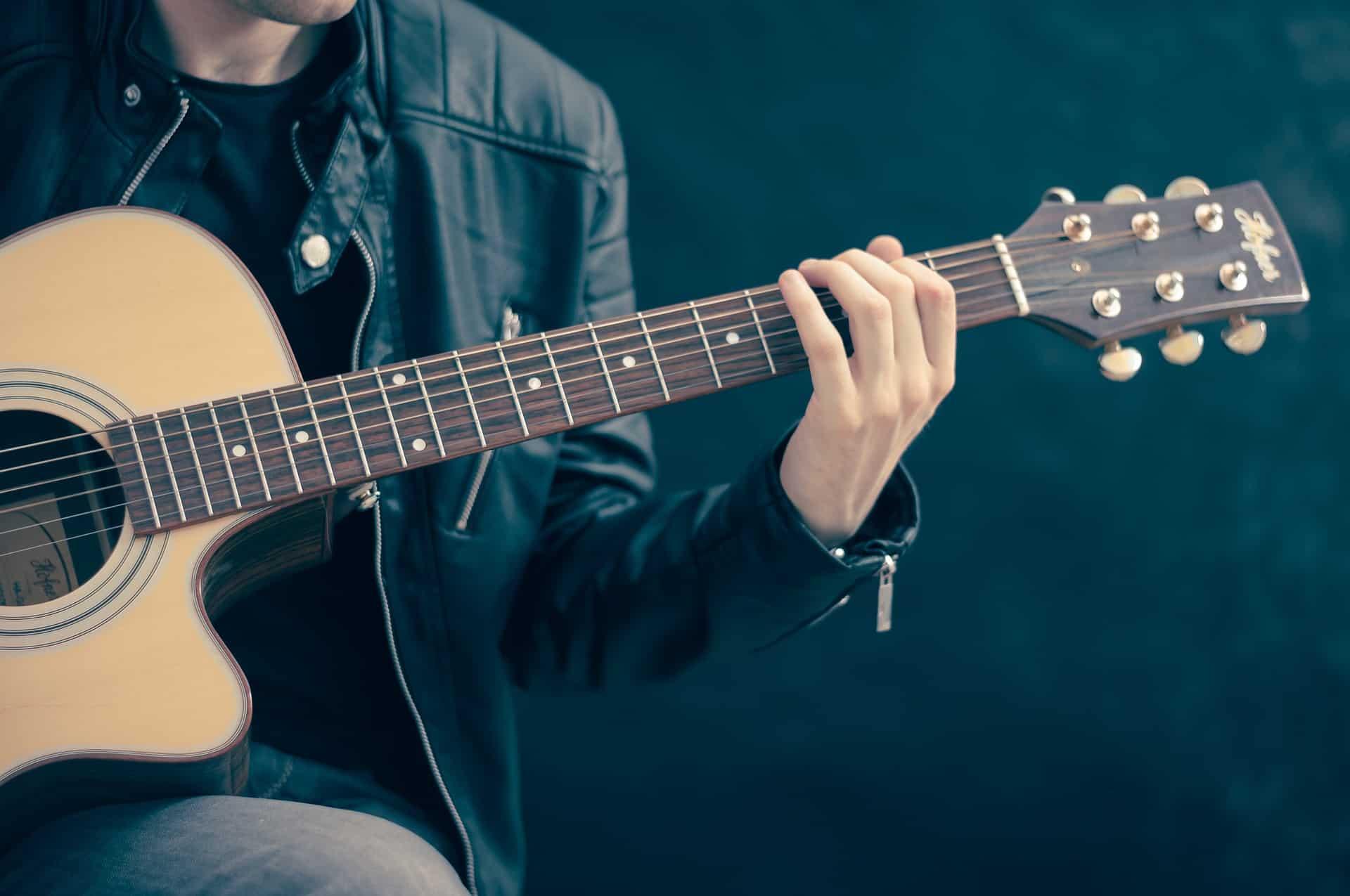 hoelang duurt gitaar leren spelen